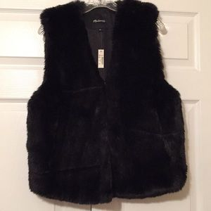 Madewell black faux fur vest